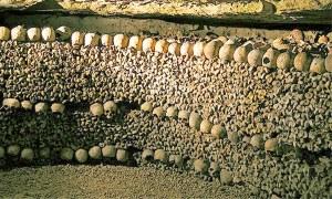 5. Catacombele Parisului